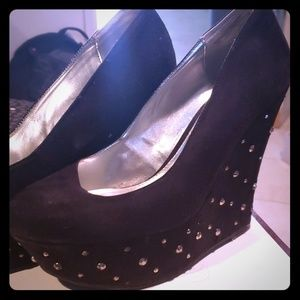 Black diamond studded rhinestone platform shoe